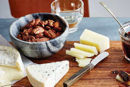 Emeril's 5 Tips for a Perfect Cheese Board