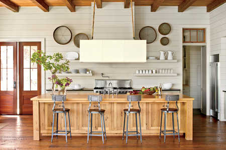 Warm Lakefront Kitchen