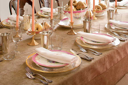 Sparkling Table Setting