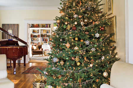 Christmas Tree Decorating Ideas: Metallic Christmas Tree