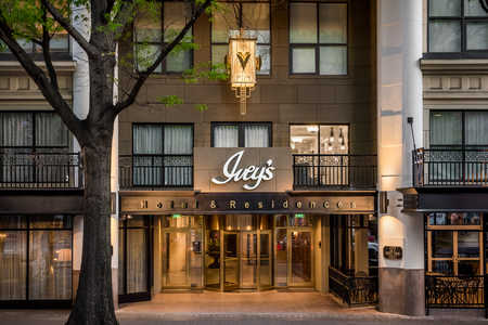The Ivey's Hotel Exterior