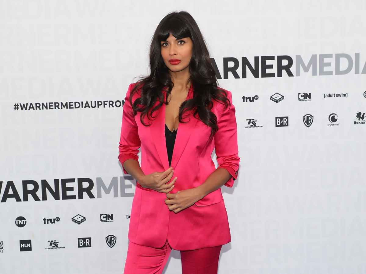 Syndication: Jameela Jamil Says Her Loneliness as a Teen 'Contributed' to Her Eating Disorder: 'I Had No One to Turn to'