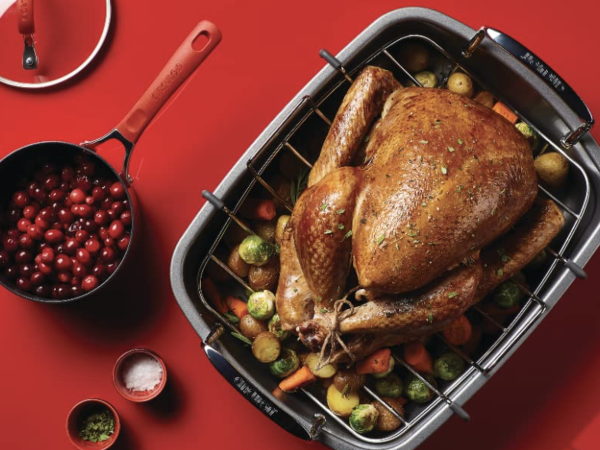 Home-Cooks Love This Turkey Roaster Pan—And It's 50% Off