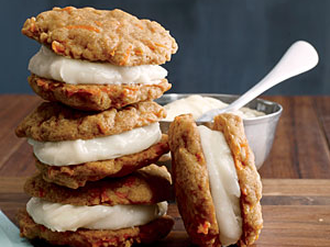 carrot-cake-sandwich-cookies.png