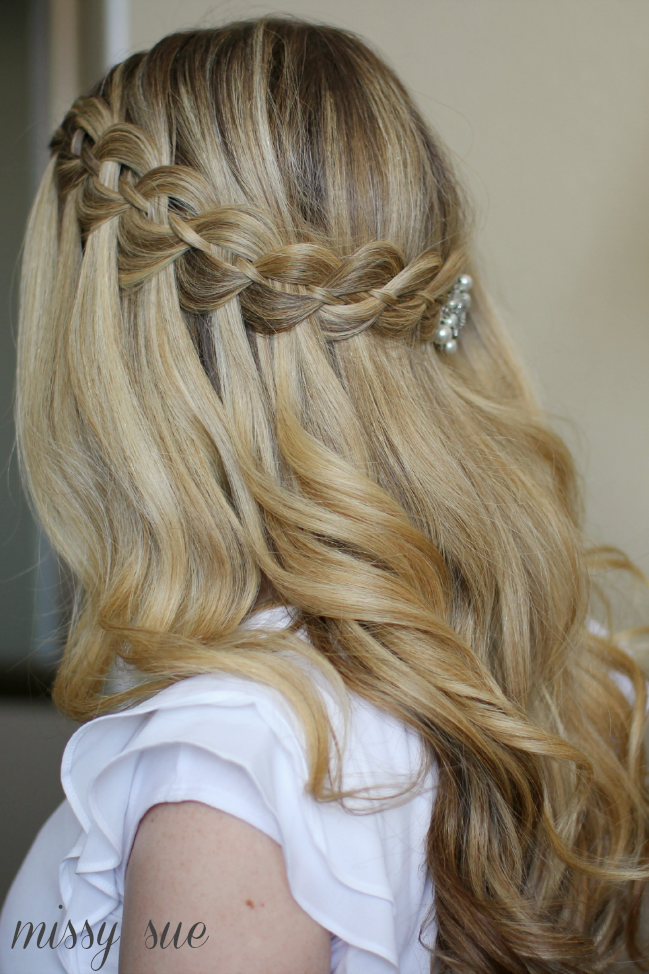 Our Favorite Half Up Hairstyles For Bridesmaids
