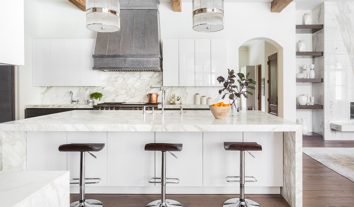 Bright and Fresh Finds For Dreamy White Kitchens
