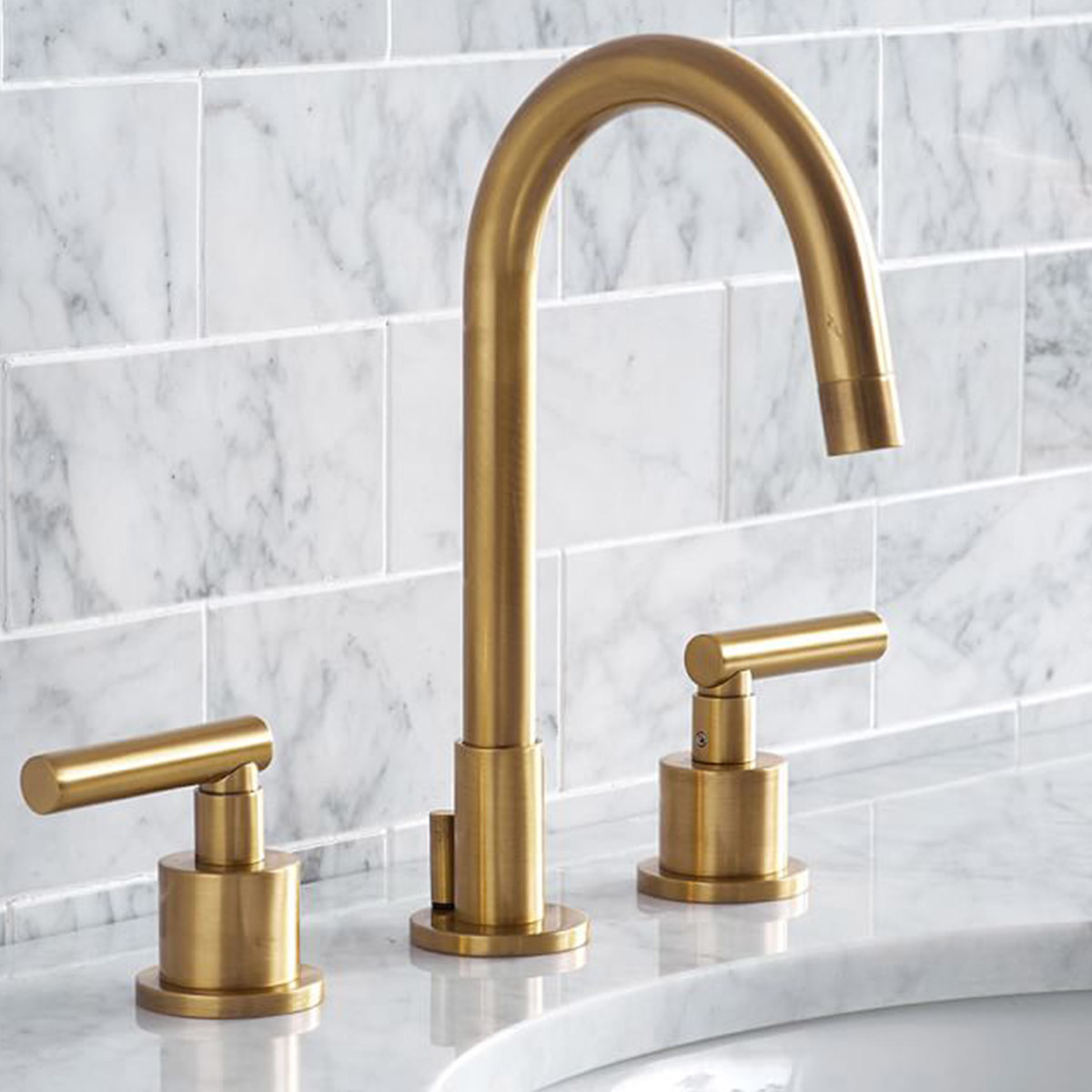 Faucet made with a high-arch design and brass finish photo
