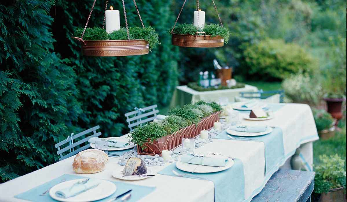 Get the Look: A Minimalist Tablescape Done Right
