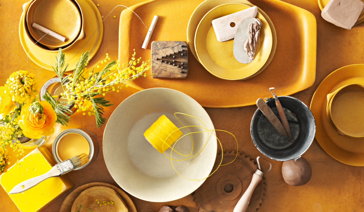 Color: Golden Yellow