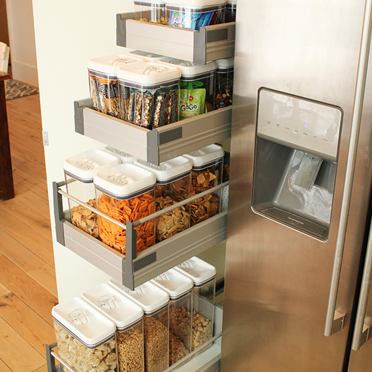 Flip-Tite containers help eliminate messy piles and keep food fresh. photo