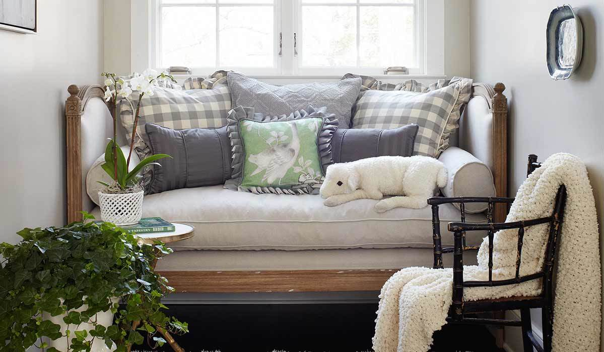 9 Guest-Approved Daybed Bedding Finds