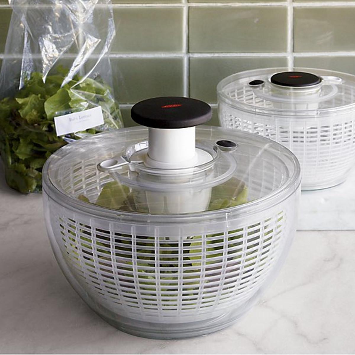 Clear salad spinner photo