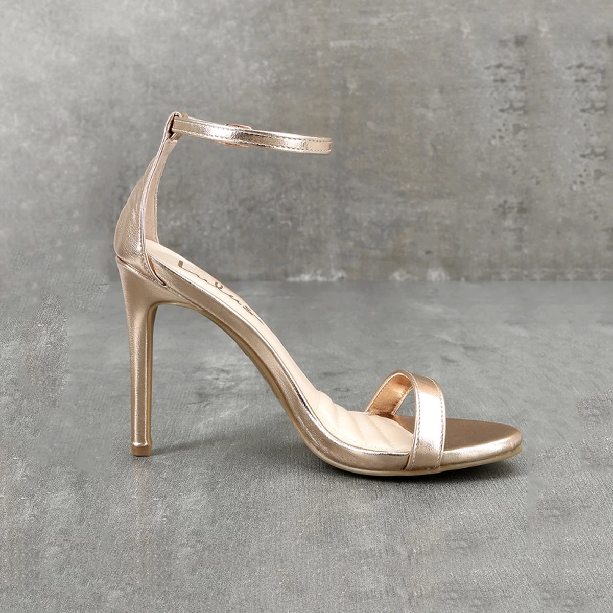 Skinny gold heel for wedding photo