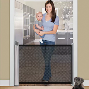 Retractable Baby Gate photo