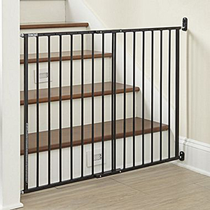 Easy-Open Swing Baby Gate photo