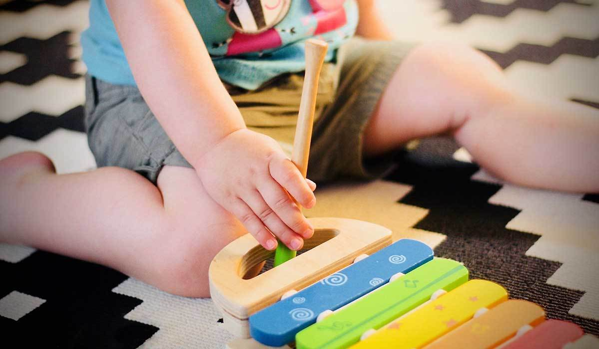 8 Sustainable Toy Brands for Babies and Kids