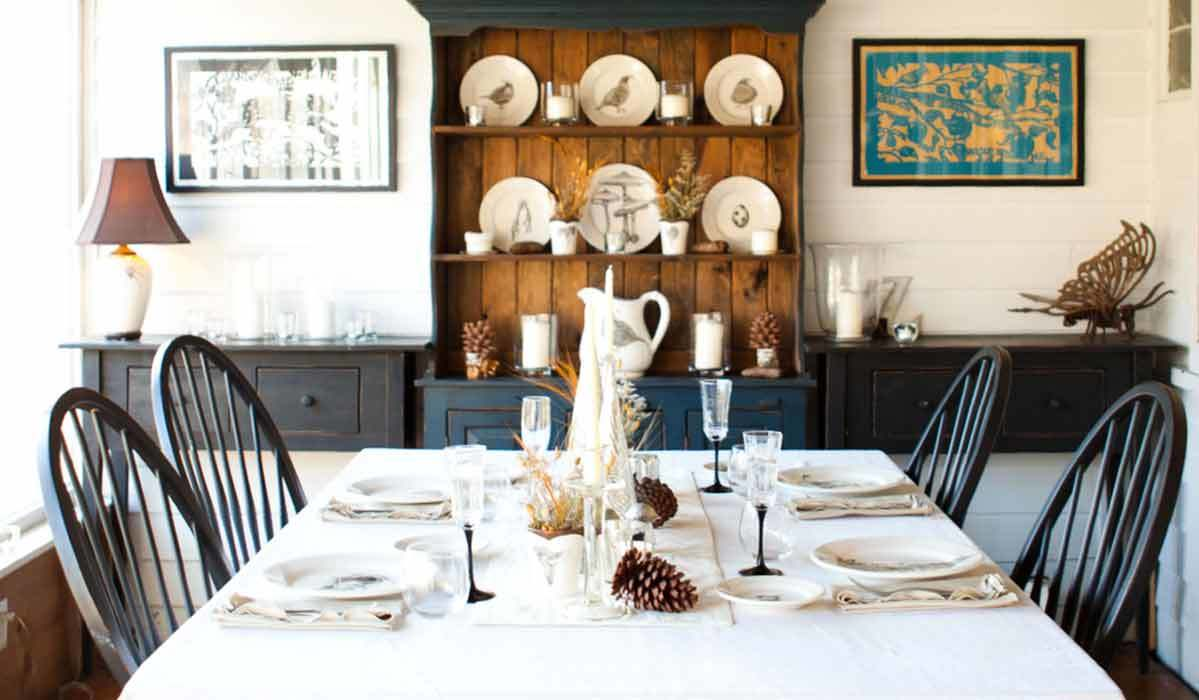 A Host of Party Supplies for a Calm, Heartfelt Holiday Dinner