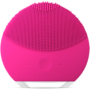 Hot pink Foreo Luna Mini 2 facial cleansing brush photo
