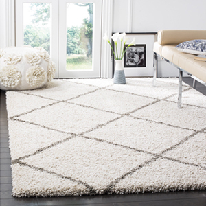White shag rug from Overstock photo