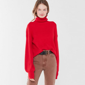 Red sweater with balloon sleeves photo