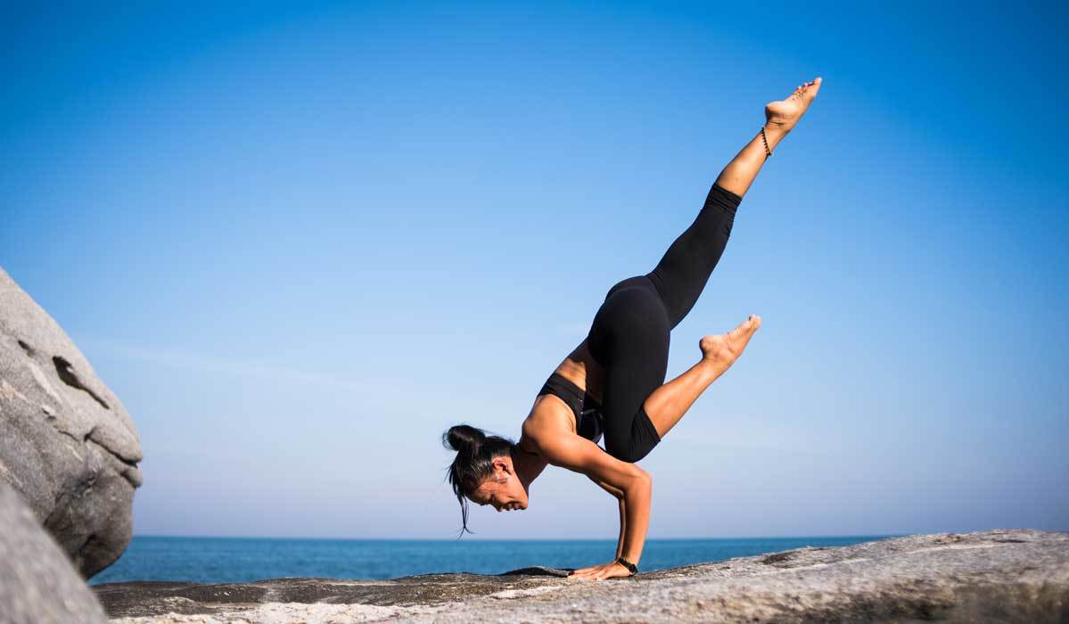 Stay Comfortable & Fit with These High-Waist Yoga Pants
