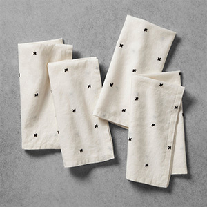 Target Hearth and Hand x-pattern cloth napkins in a cream-and-black color scheme photo