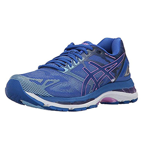 Blue and violet Asics lightweight running shoe from Amazon photo