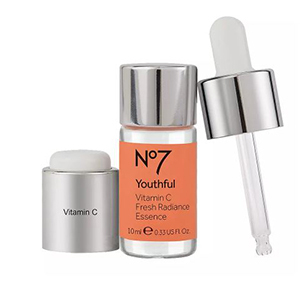 No7 Youthful Vitamin C Fresh Radiance Essence photo