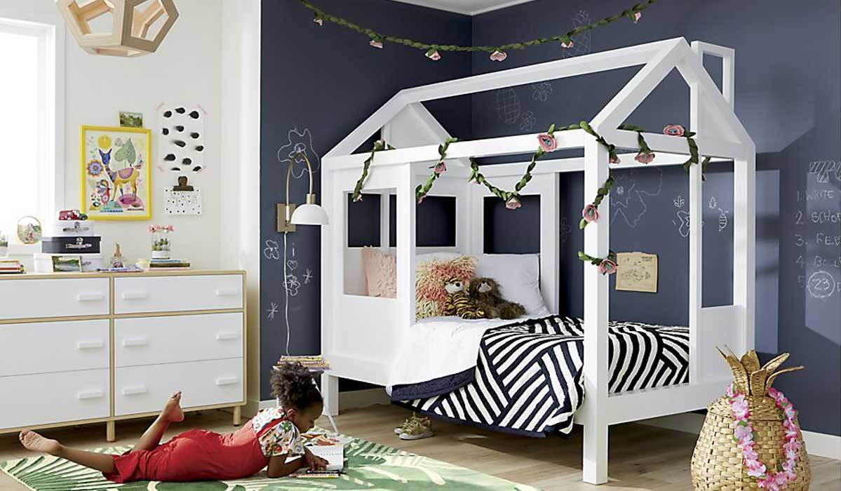 Take Bedtime to a Whole New Level with These Dreamy Toddler House Beds
