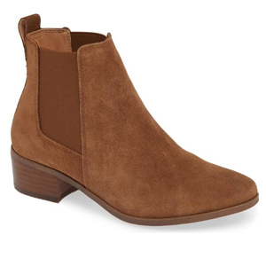 Brown Steve Madden chelsea bootie. photo