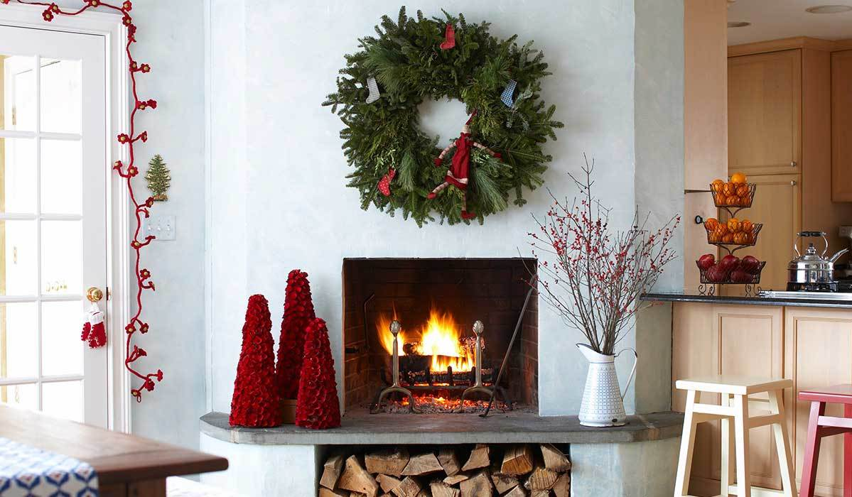 7 Elegant Christmas Wreaths to Get Your Home Holiday-Ready on Any Budget