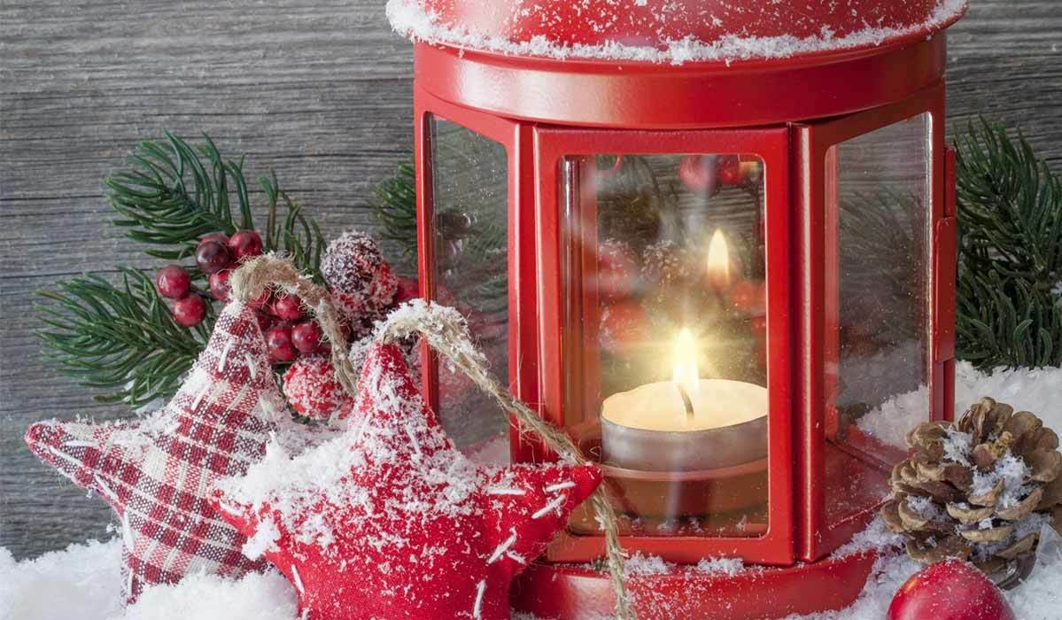 7 Charming Outdoor Christmas Decorations for Your Winter Wonderland