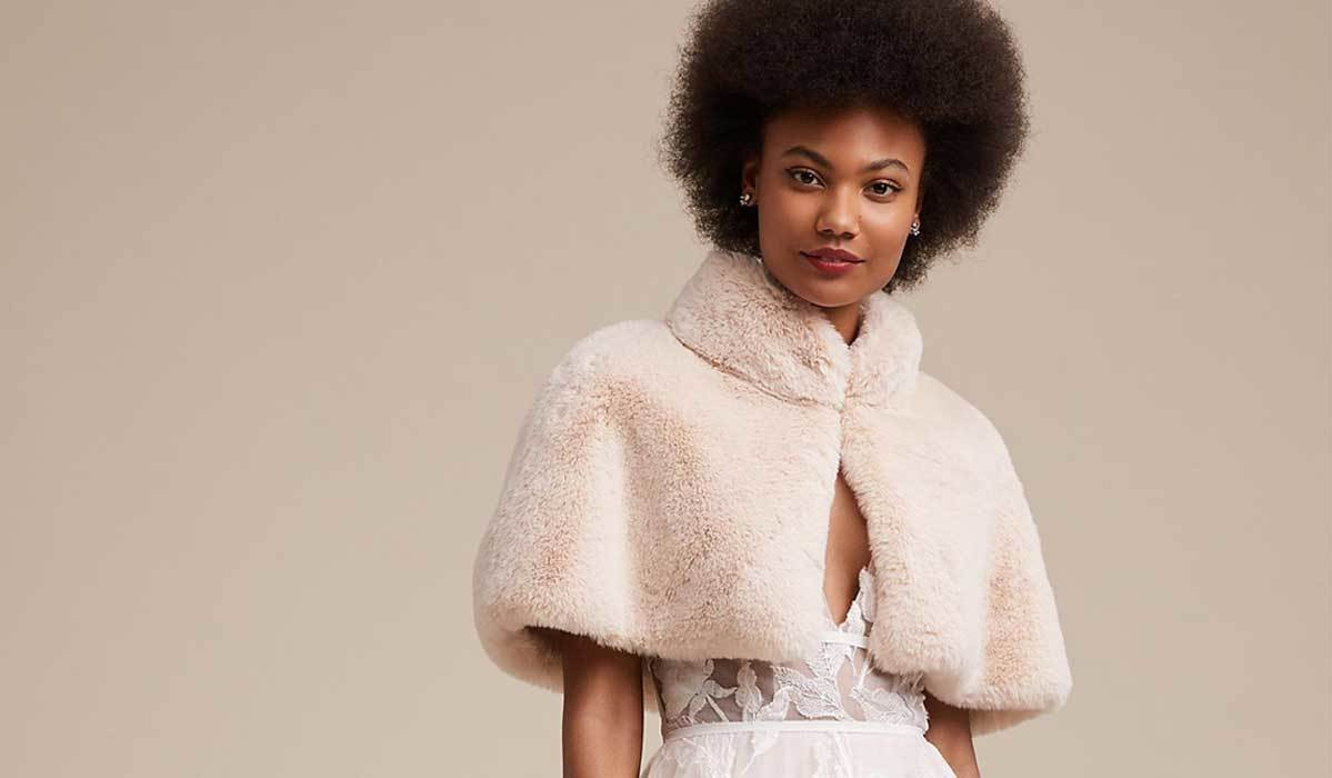 Chic Winter Coats, Capes and Wraps That Every Bride Can Wear with Her Wedding Dress