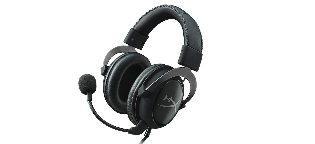 Amazon gaming headset by HyperX with an attached microphone. photo