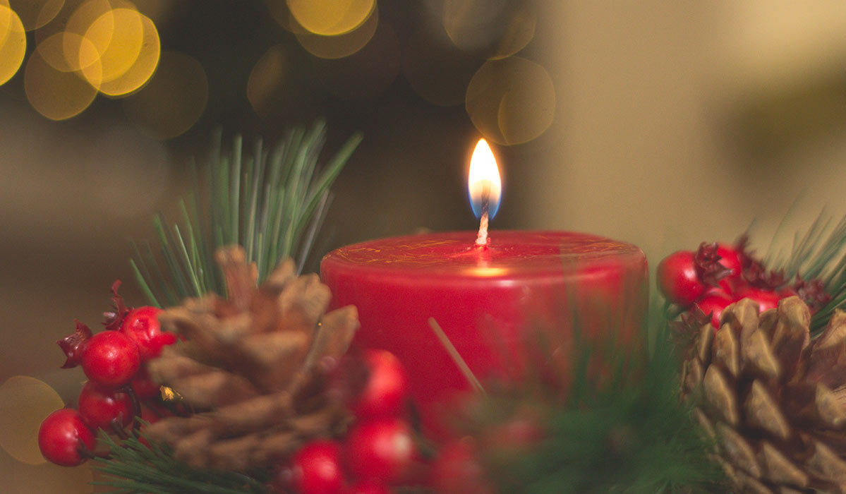 6 Festive Christmas Candles that Smell Just As Good As They Look