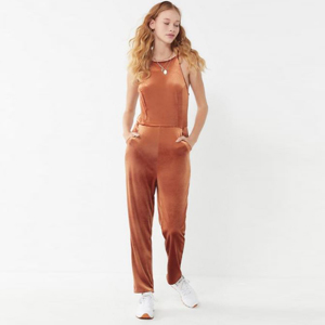 Velvet jumpsuit in the color Rust photo