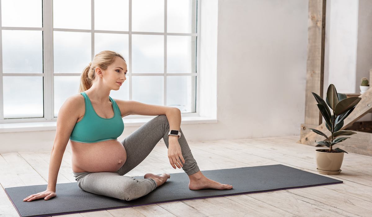 15 Fabulous Fitness Trackers for Expectant Moms