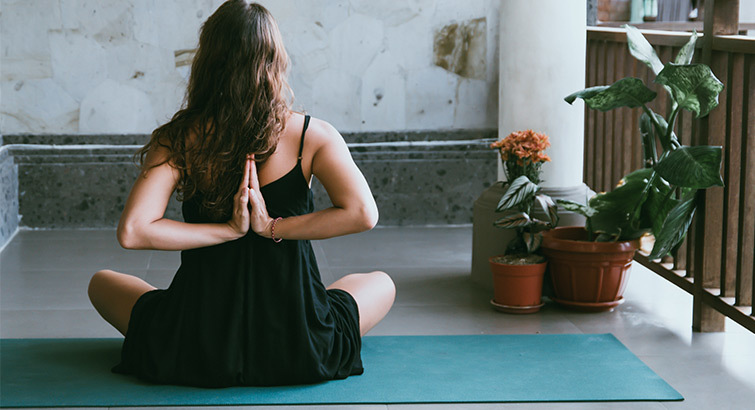 8 Must-Have Yoga Essentials to Take Your Practice to the Next Level