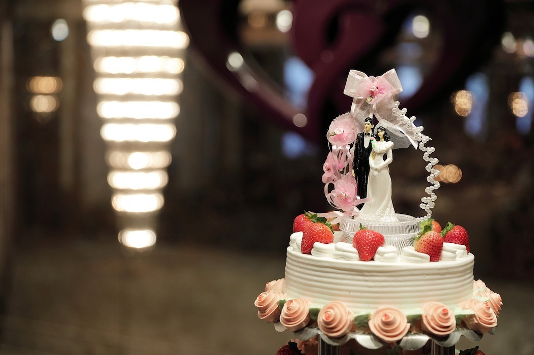 14f6b9d9d679 11 Charming Wedding Cake Toppers for the Spring Bride and Groom