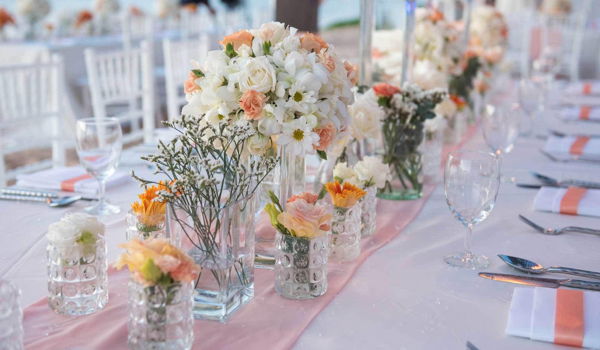10 Fabulous Table Runners for Summer Weddings