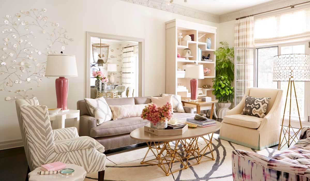 Living room decorated with beige decor and furniture photo