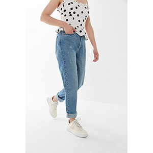 High-waist BDG relaxed mom jeans photo