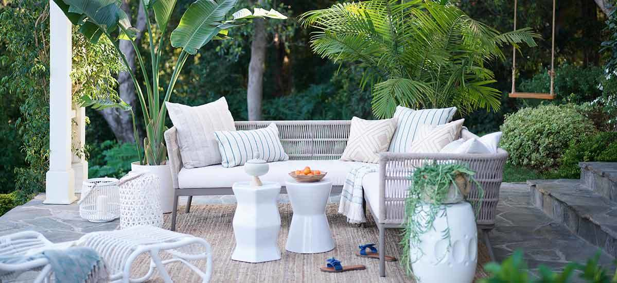 10 Entertaining Essentials for an Effortless Alfresco Celebration