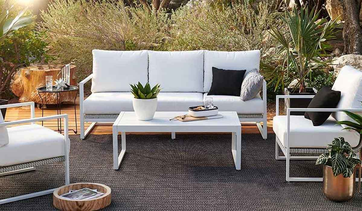 Patio featuring furniture from Walmart