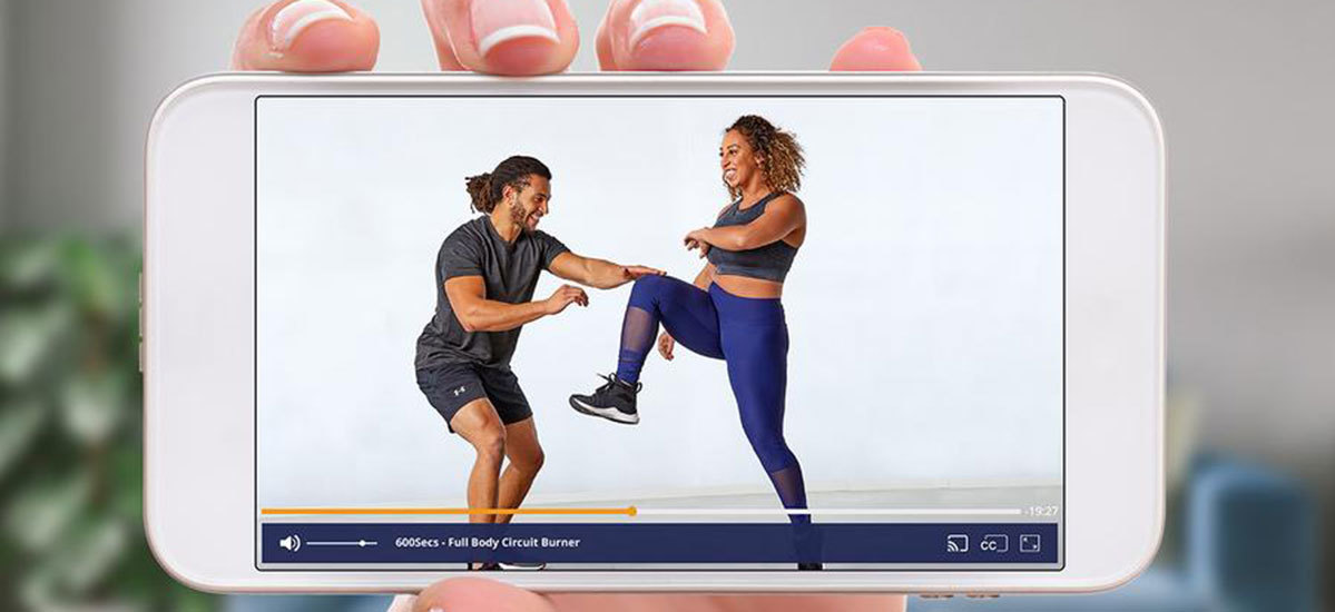 Streaming Openfit 600 Secs workout video on a smartphone