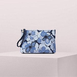 Floral wristlet with beaded details photo