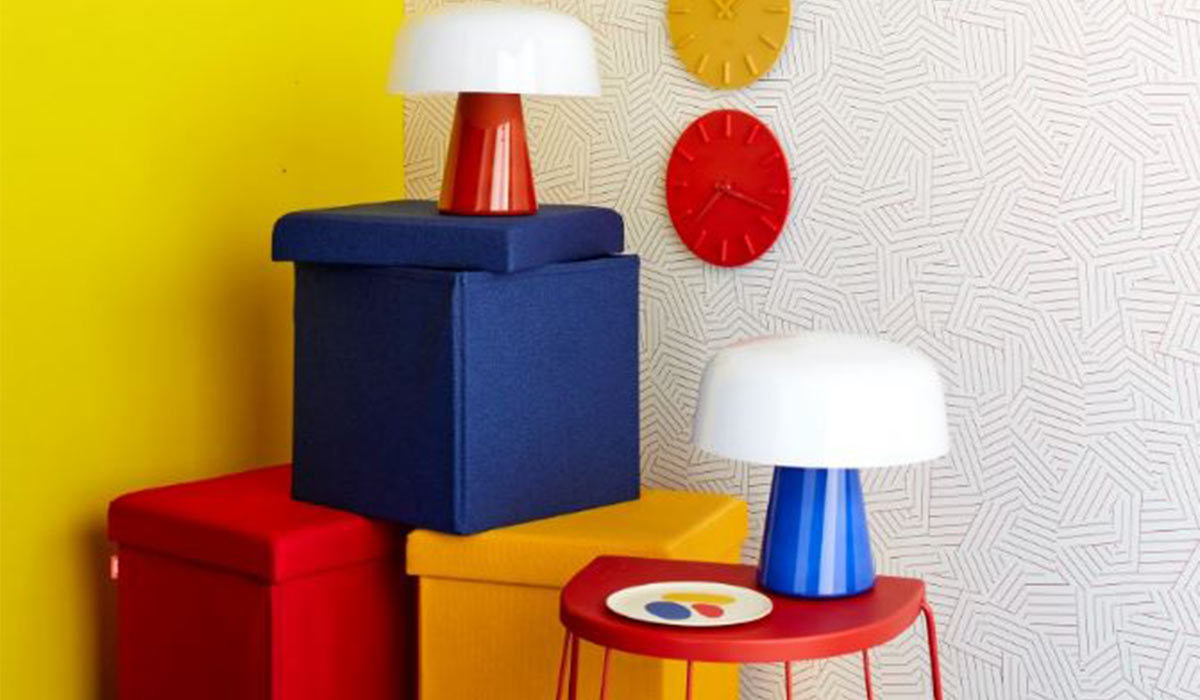 Boxes, lamps, and clocks in the three primary colors photo