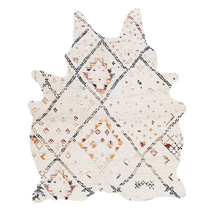 White multicolored patterned rug with irregular shape from Houzz photo