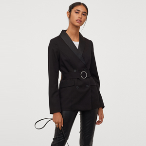 Double-breasted black blazer paired with black pants from H&M photo