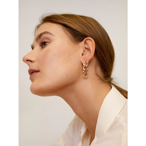 Chain link drop earrings in gold from Mango photo